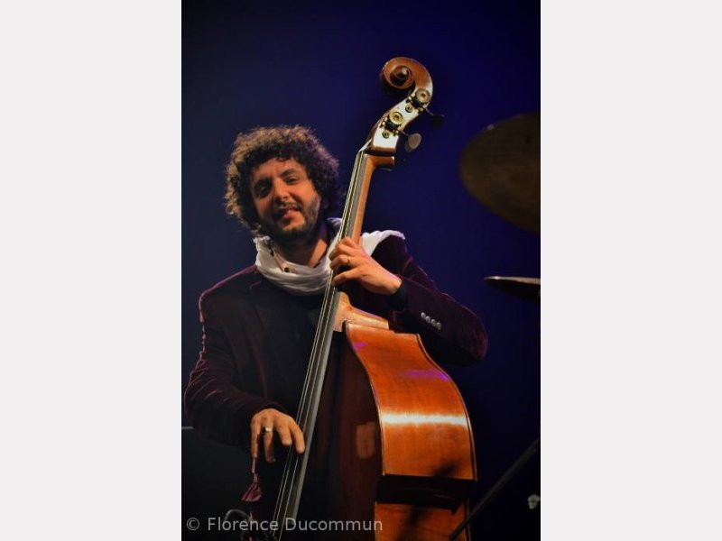 Omer Avital - Coutances, mai 2014. ©© Florence Ducommun